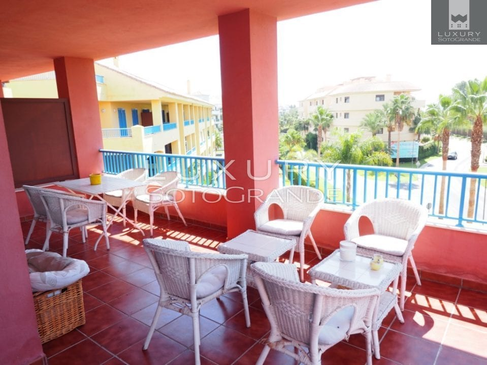 Lovely apartment for sale in Sotogrande Marina Guadalmarina