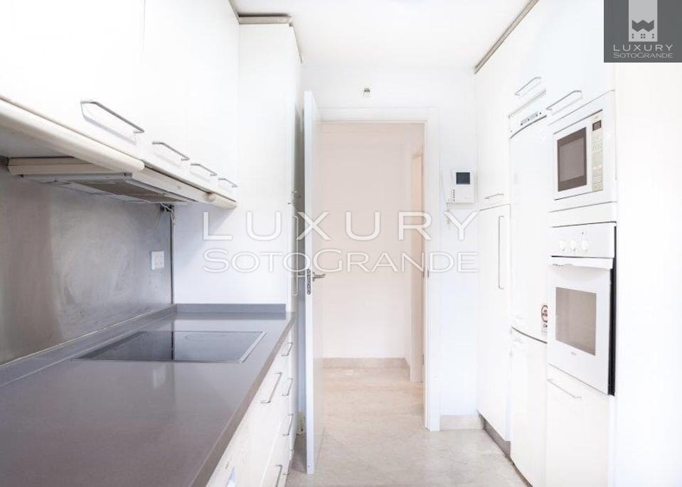 Fantastic ground floor apartment for sale in La Marina